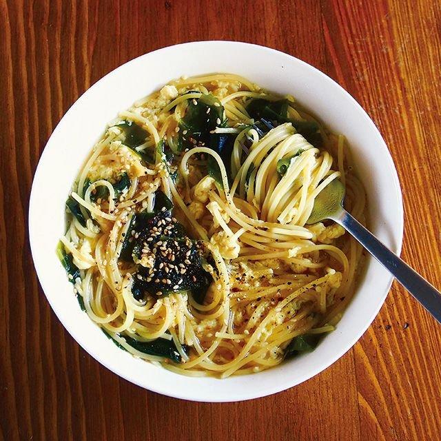 《めしうまナイト》スープにスパをダイレクトイン!わかめとたまごのスープスパ