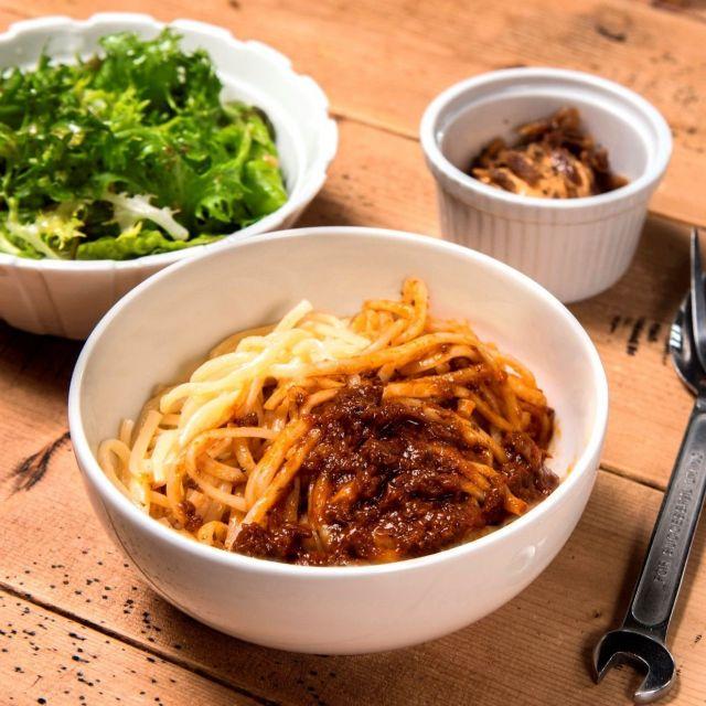 《渋谷》「東京MEAT酒場」とDIESELの「グロリアスカフェ」がコラボメニュー
