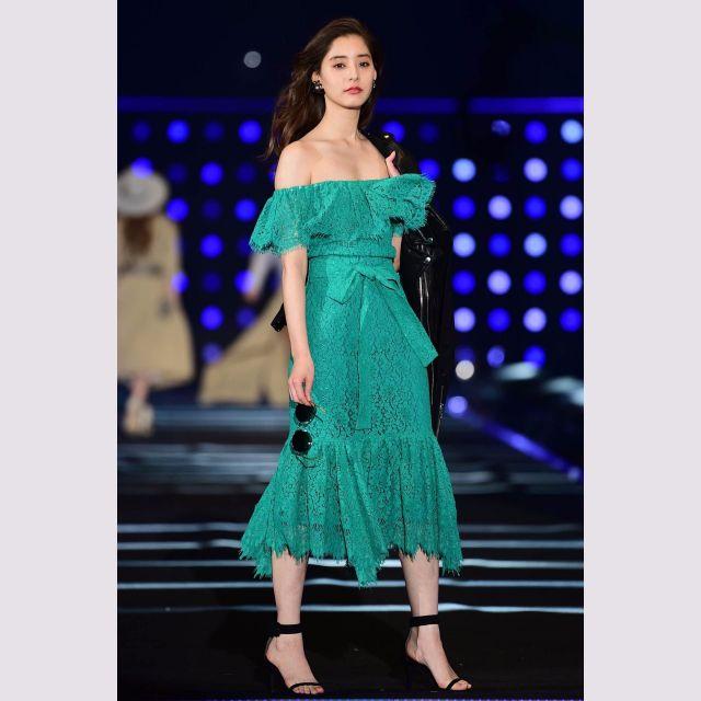 【東京ガールズコレクション】 20代女子の春夏ファッショントレンドは…「フェミ見せ」で大胆露出、透け素材で「NEWレイヤード」