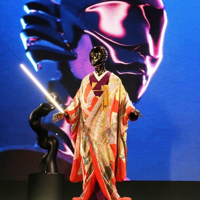 《京都》豪華な着物をまとった人型ロボットが舞うエキシビション「KIMONO ROBOTO」