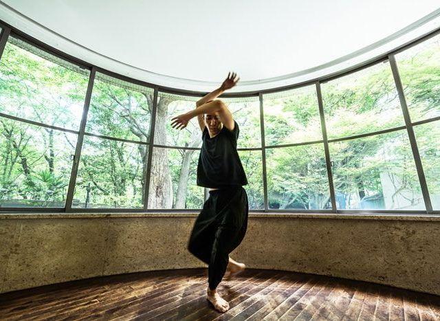《品川》小㞍健太のダンスパフォーマンス 「Study for self/portrait」を開催
