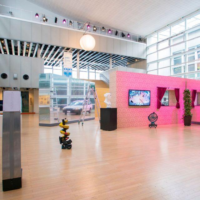 《山口》メディア・アートの今を刷新する展覧会、2組のアーティストが大規模な作品を発表