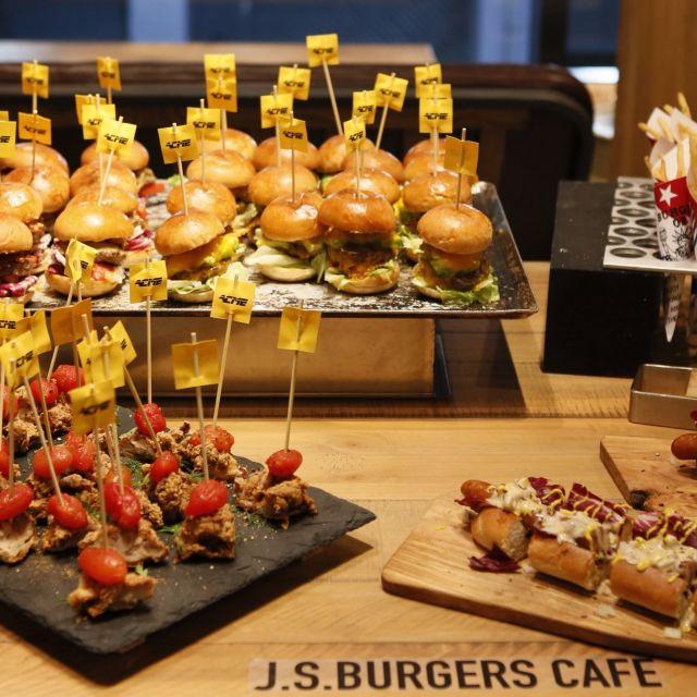 《渋谷》J.S. BURGERS CAFÉ渋谷店が、リニューアルオープン