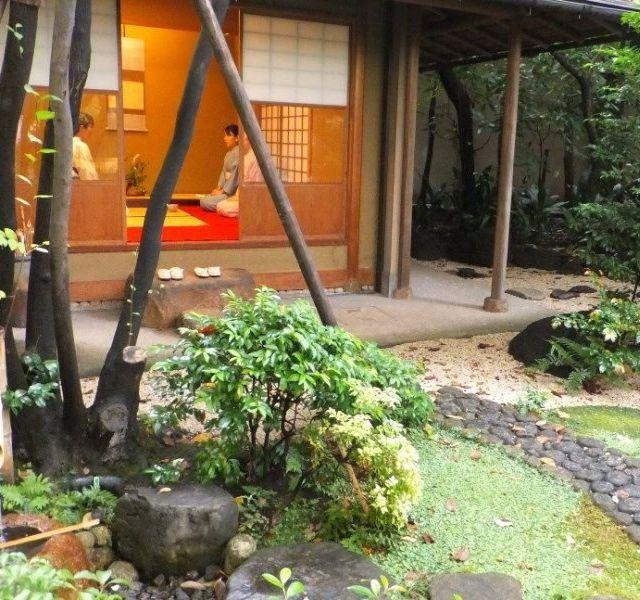 《水天宮前》都心で日本庭園を眺めつつはじめての茶道体験…ロイヤルパークホテルで秋を楽しむ