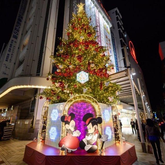《渋谷など》ディズニー・キャラクターをテーマにしたツリーで、クリスマス気分を盛り上げよう!