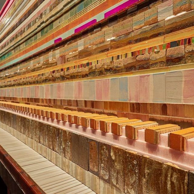《上野》杉戸洋展 名建築に溶け込む作品たち
