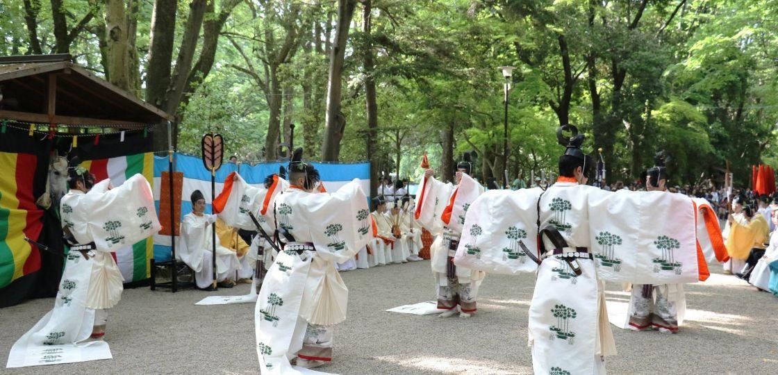《京都》葵祭の前儀「御蔭祭」でご祭神に舞楽奉納