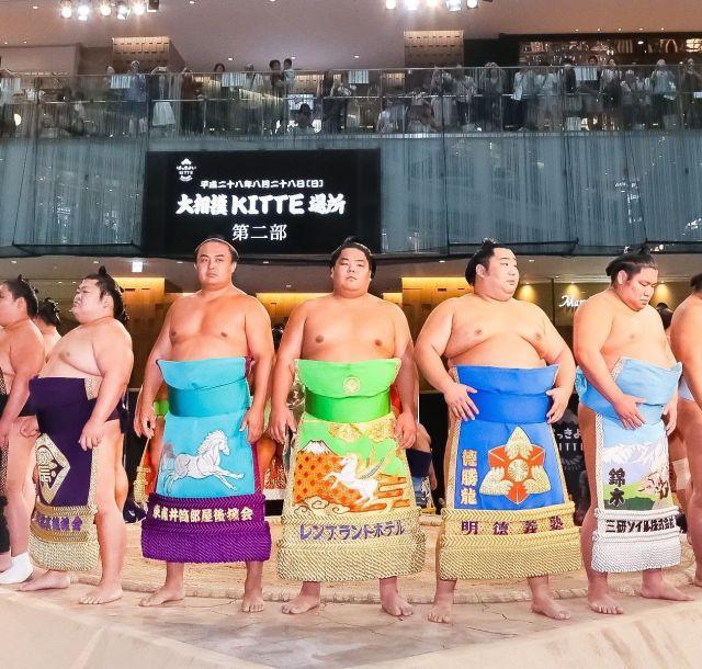 《東京》「KITTE」で宝塚歌劇と大相撲の魅力を体感するイベント開催中