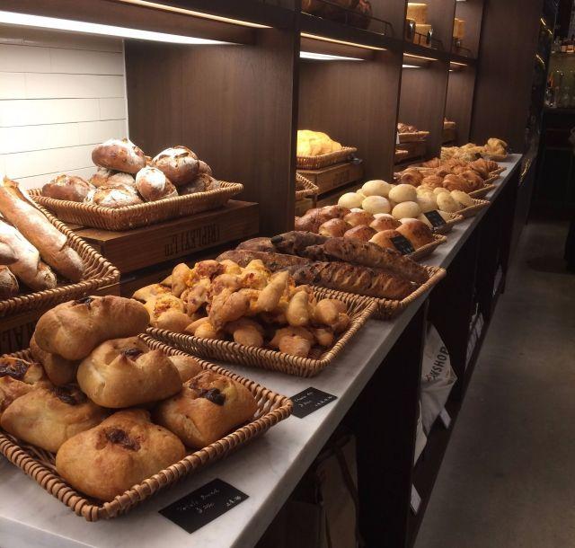 《二子玉川》カリフォルニアンスタイルのベーカリー「FARMSHOP BAKERY」がオープン