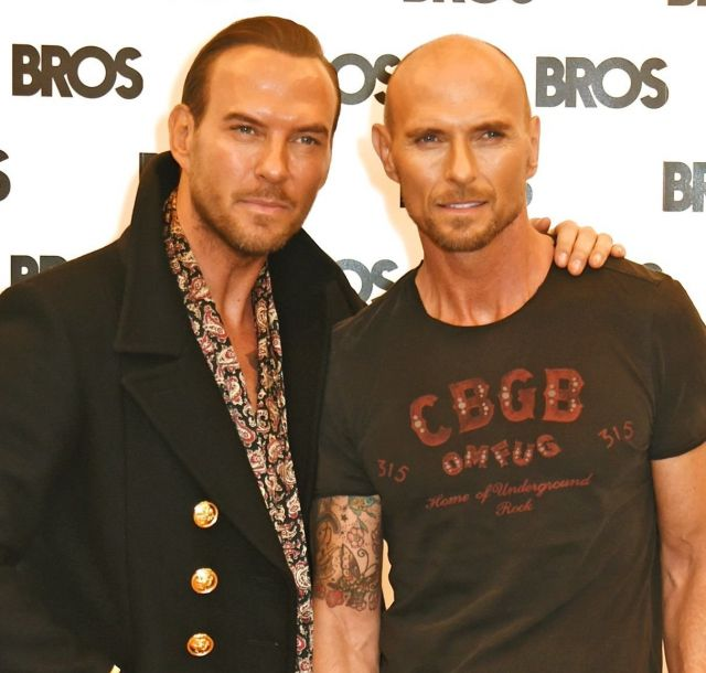 英バンド bros 双子のゴス兄弟のみで来年8月に再結成